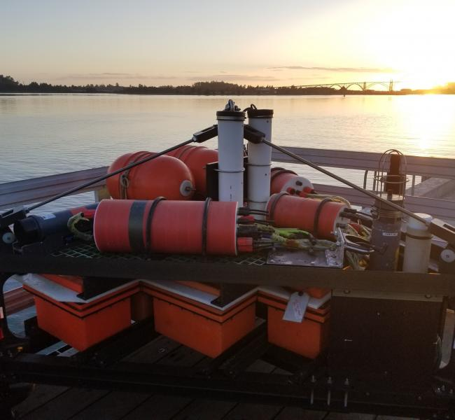 University of Washington: Mechanical Engineering Department and the Applied Physics Laboratory - Autonomous Adaptable Monitoring Package (AutoAMP) deployed at PacWAVE in Newport, Oregon